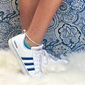 Adidas Shoes Womens Size 7 White and Blue